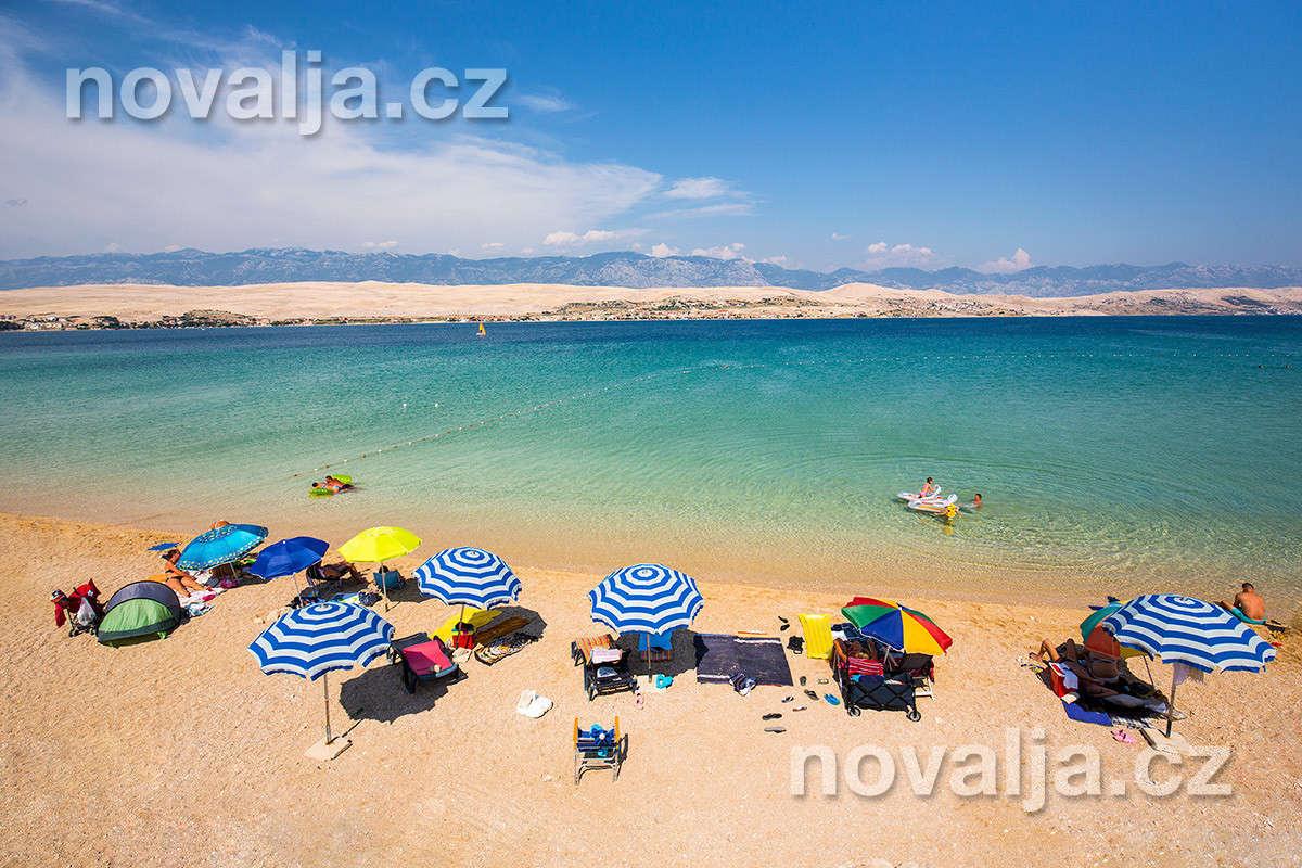 Piesočnatá pláž Čista plaža -ostrov Pag